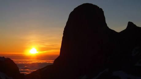 amanecer en Picos de Europa (Urriellu) desde Horcada Caín